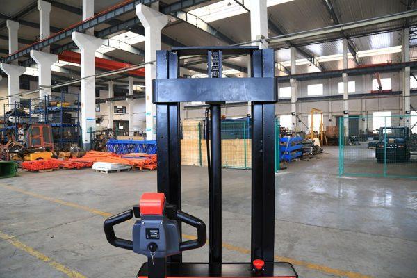 Liftek EP PowerStack Straddle -1500kg -3822