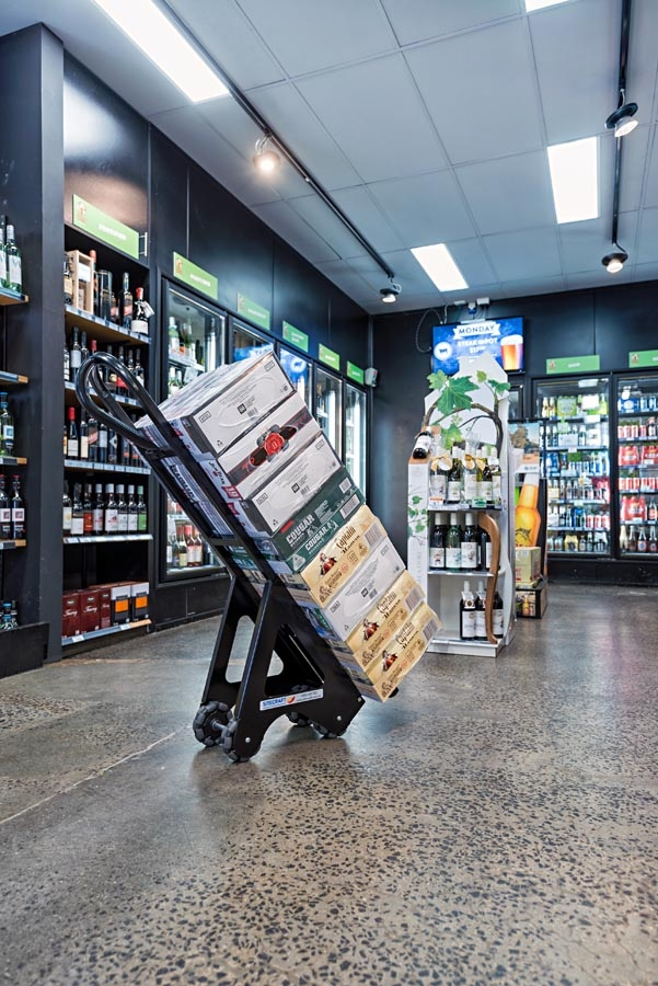 Beverage Trolley and Mini Pallet System-3873