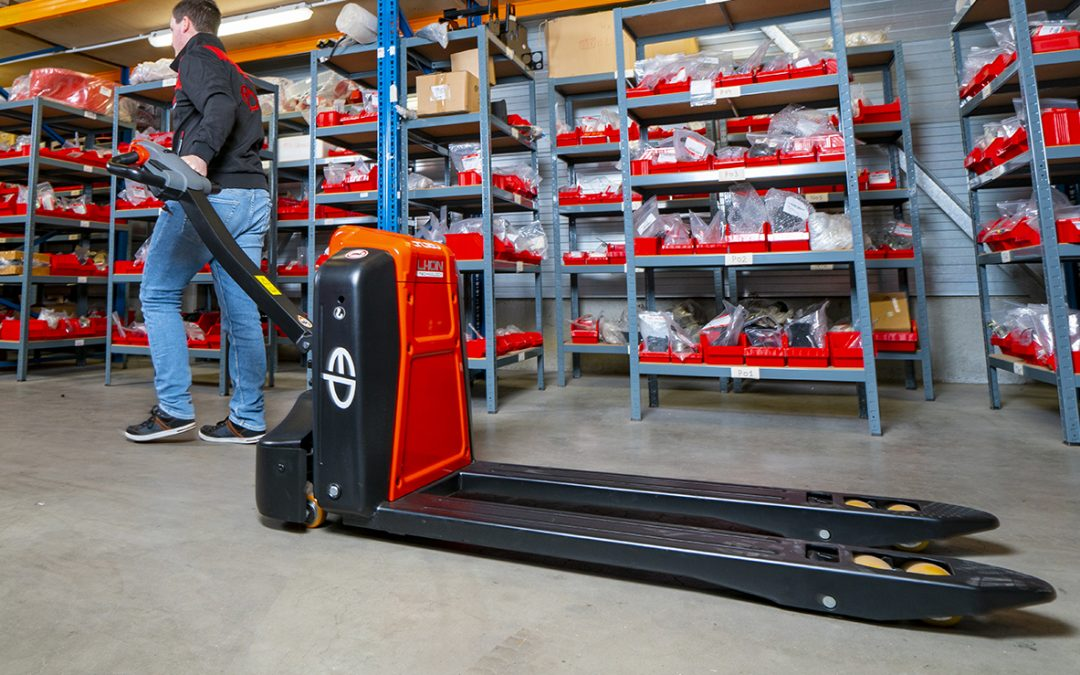 Our guide to electric pallet trucks